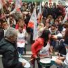 Docentes realizaron una clase pública frente a la casa de la Provincia de Buenos Aires